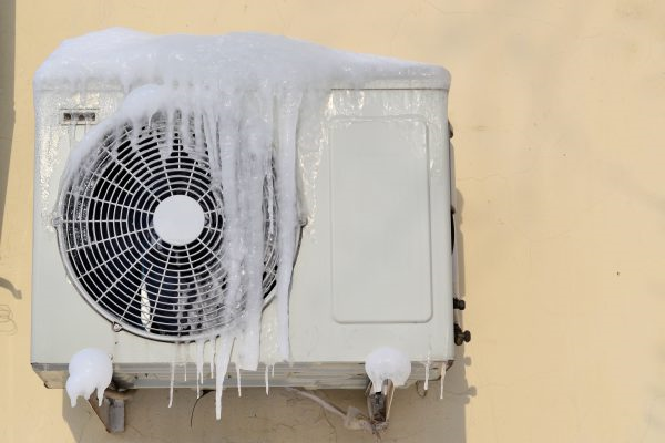 You are currently viewing What Causes an Air Conditioner to Freeze Up in Southwest Florida?